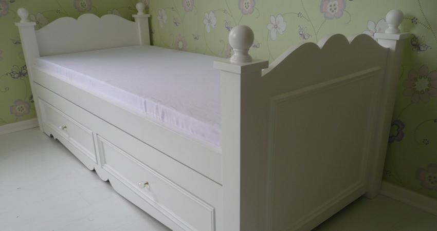 0403 - חדרי שינה מעץ מלא